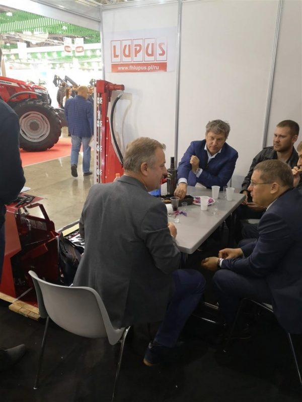 Kolejny krok w rozwoju – produkcja stołów do rzepaku i targi Agrosalon 2018 (5)